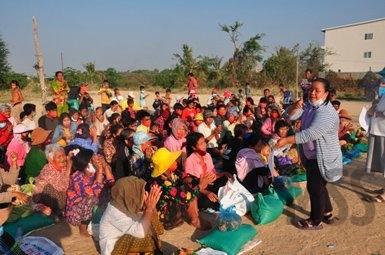 deljenje-hrane-Phnom-Penh3